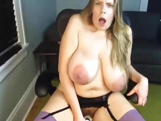 a primer mature mom saggy big huge natural tits masturbate 1