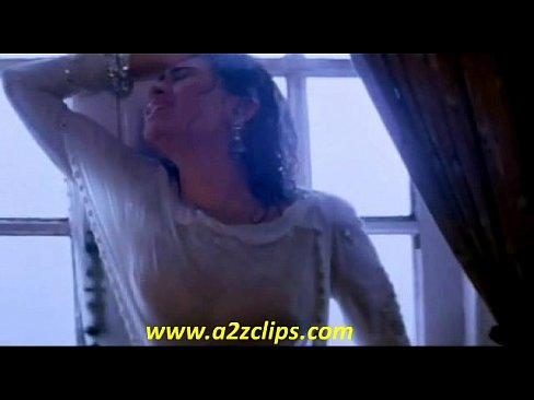 aamir khan and karishma kapoor hot smooch