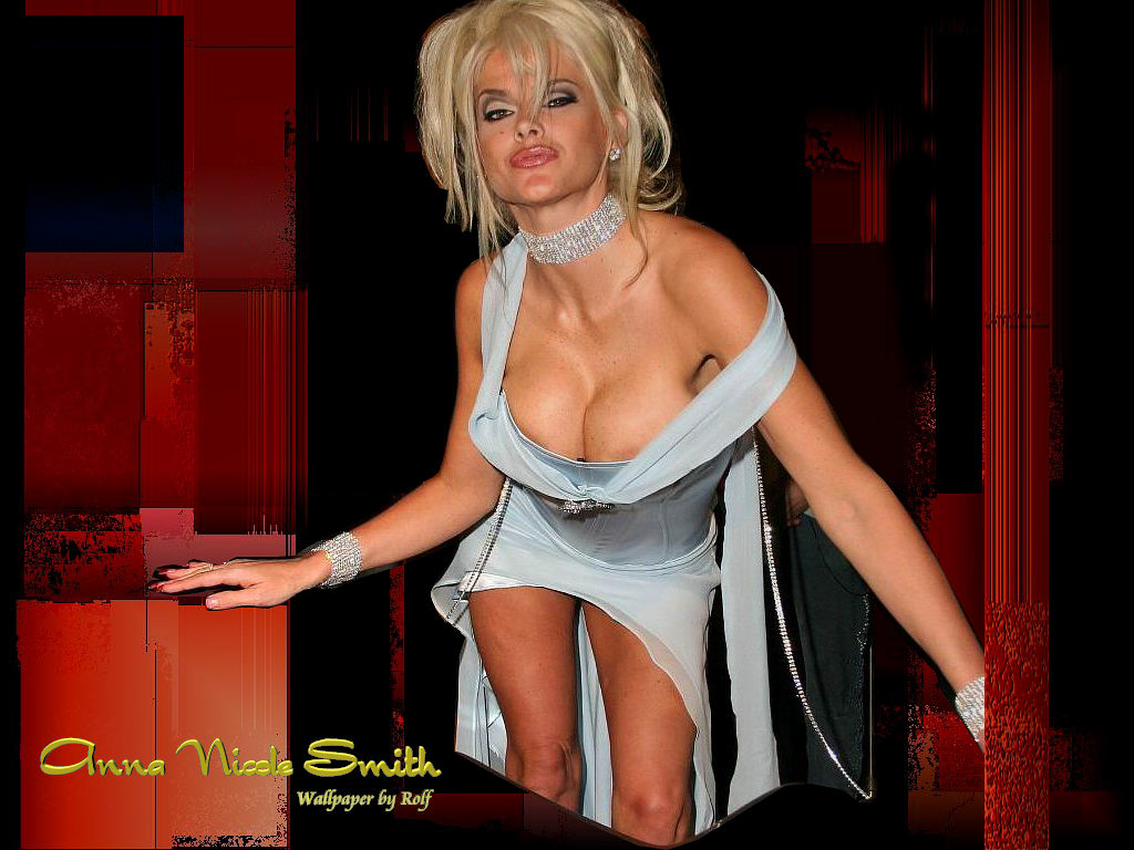 Smith nackt Tasha  Sexy Female