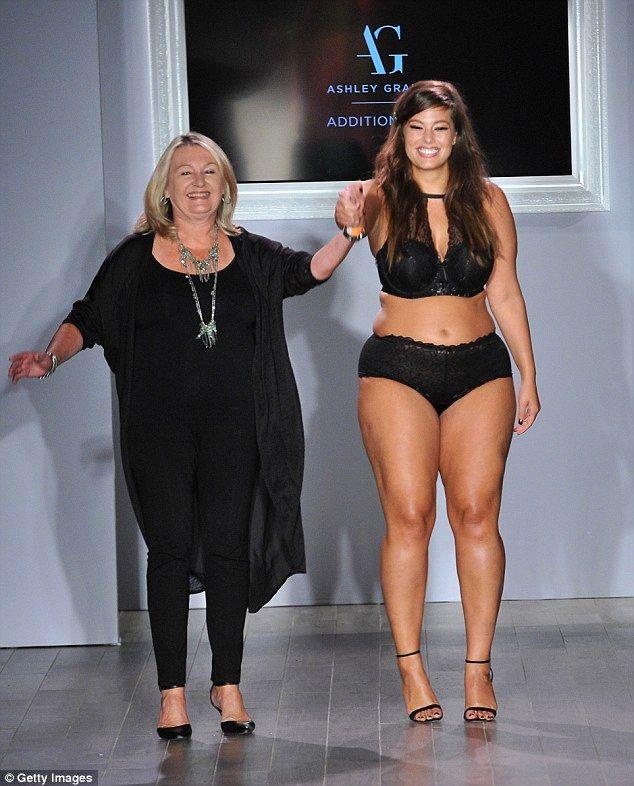 ashley graham joins fellow full figured models on the catwalk