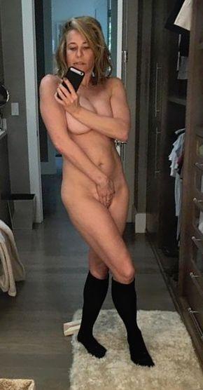 nackt Chandler Chelsea Chelsea Handler