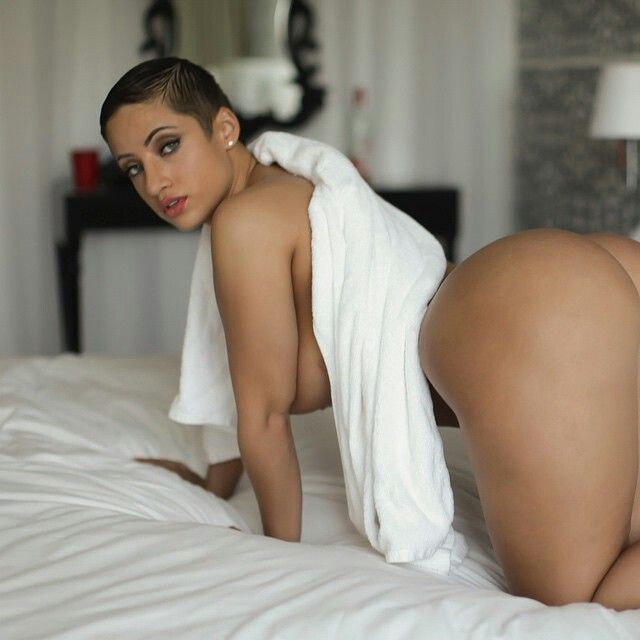 Girl topless in pantis