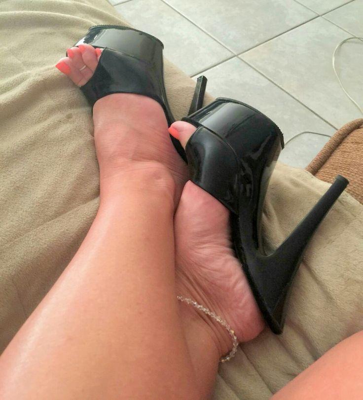 shoejob slut showing her heeljob mules collection - MegaPornX