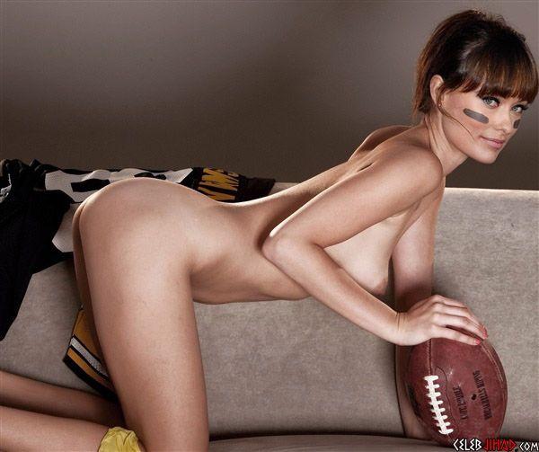 Nackt  Olivia Longott Rihanna Nude,