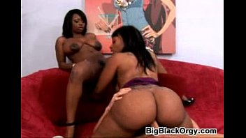 big booty black threesome xxx 1