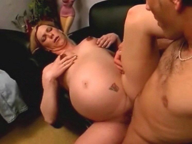 naked woman giving birth - MegaPornX
