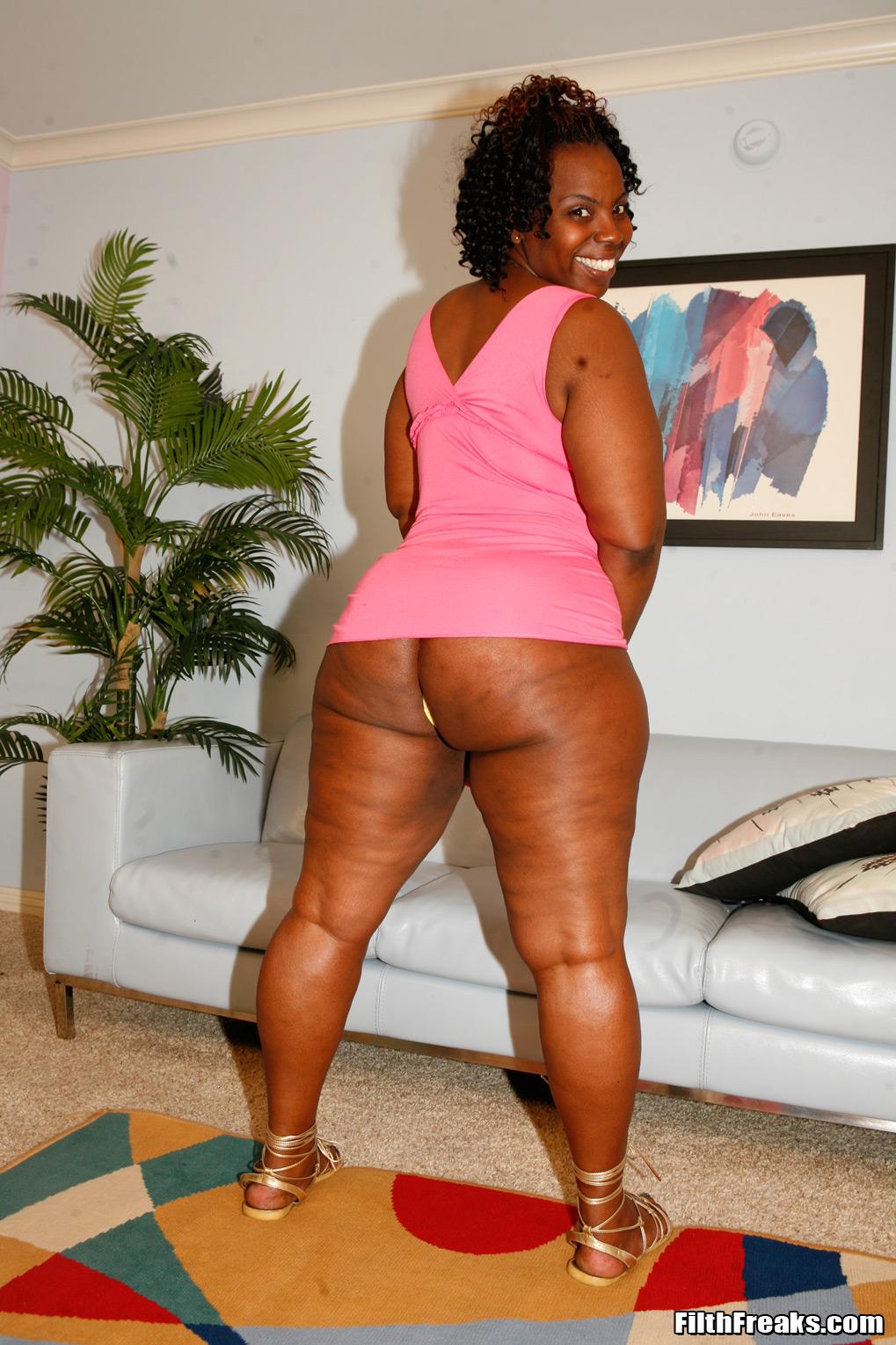 Amateur Ebony Riding Dildo