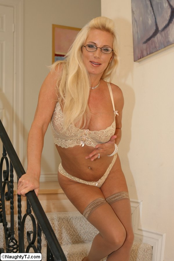 blonde milf lingerie threesome blonde milf lingerie threesome blonde milf lingerie threesome blonde milf