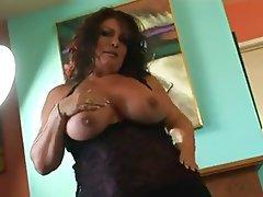 chubby latina brunette porn pics - MegaPornX