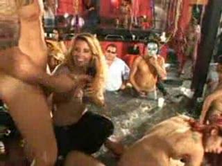 Brutale orgie in Brazilie