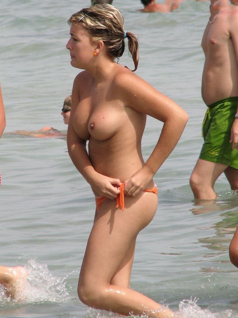 curvy body nude topless beach lady