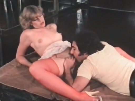 Retro lesbian deep finger fucking porn tube