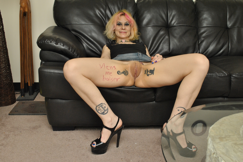 Teen nude strip show