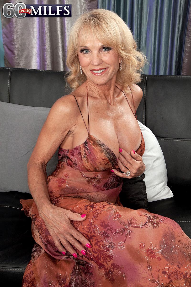America Olivo Video Porno cowgirls in the nude - megapornx