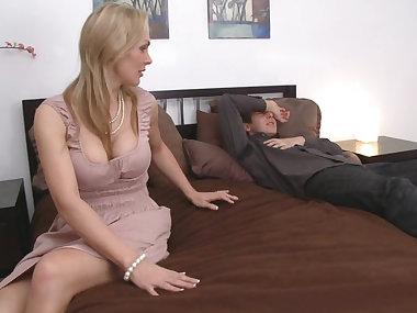facesitting mom porn