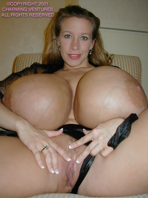 Chelsea charms pussy