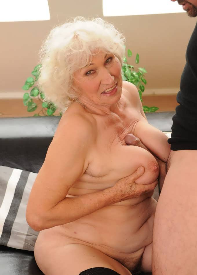 Fat Granny No Tits - vrey fat granny sexual amateur videos and porn pictures ...