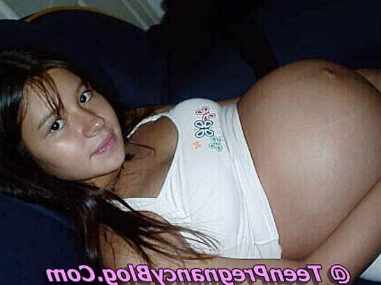 Teen Flashing Pussy Webcam