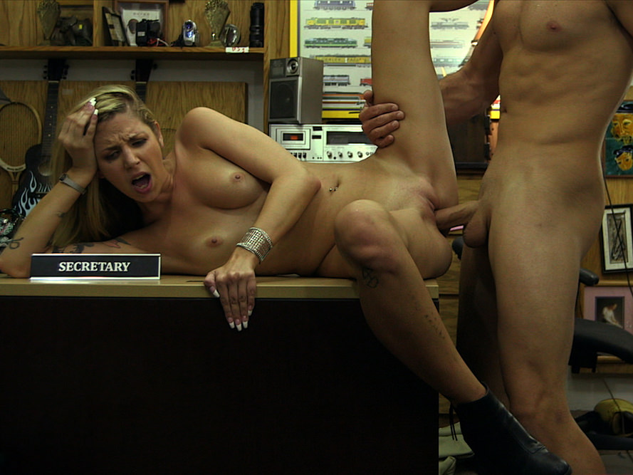 gorgeous blonde chick fucked at the pawn shop pawn