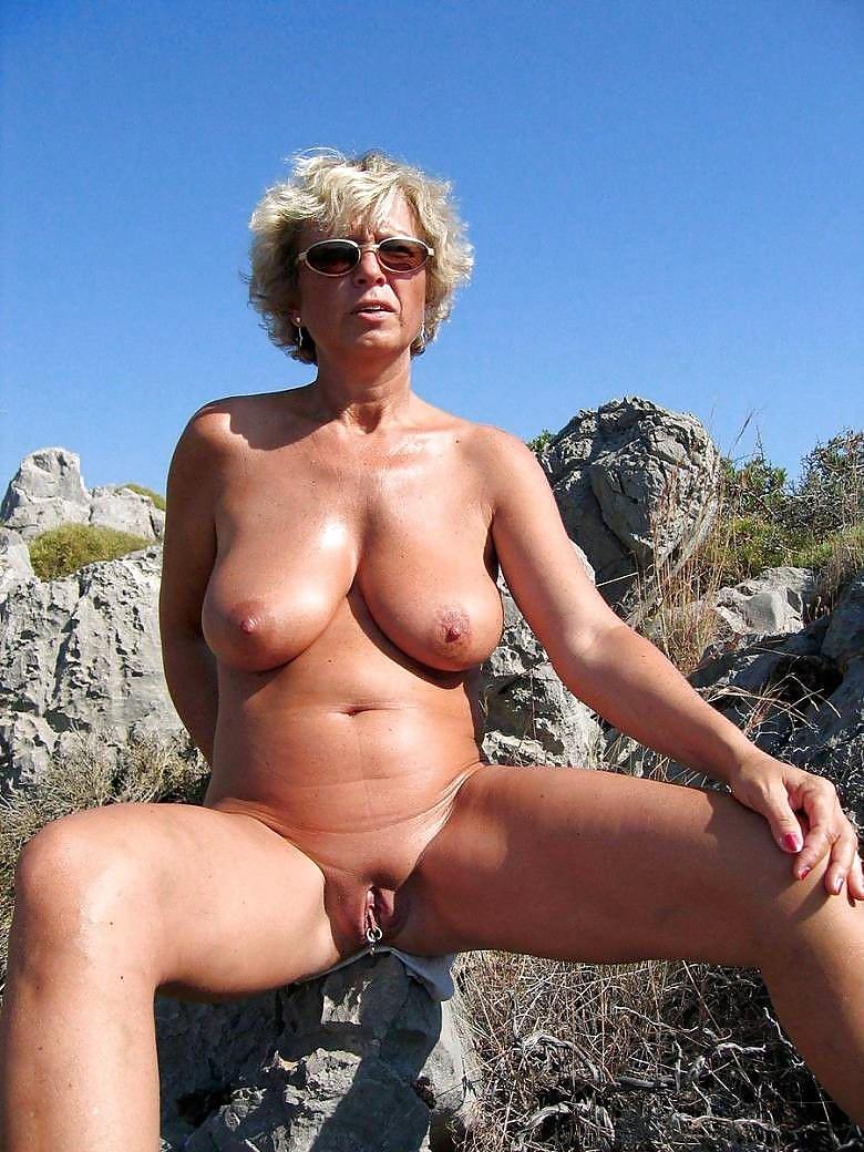 Porno bilder granny Old Granny