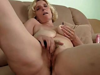 hairy mature with saggy tits dildoing troc tmb 1