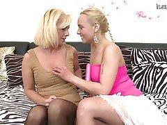 lesbian mom is super at seducing lesbianv - MegaPornX