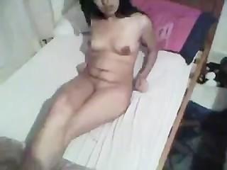 free xxx amateur broke hymen
