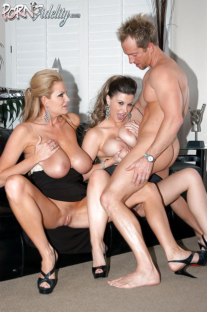 Big Tit Creampie Threesome