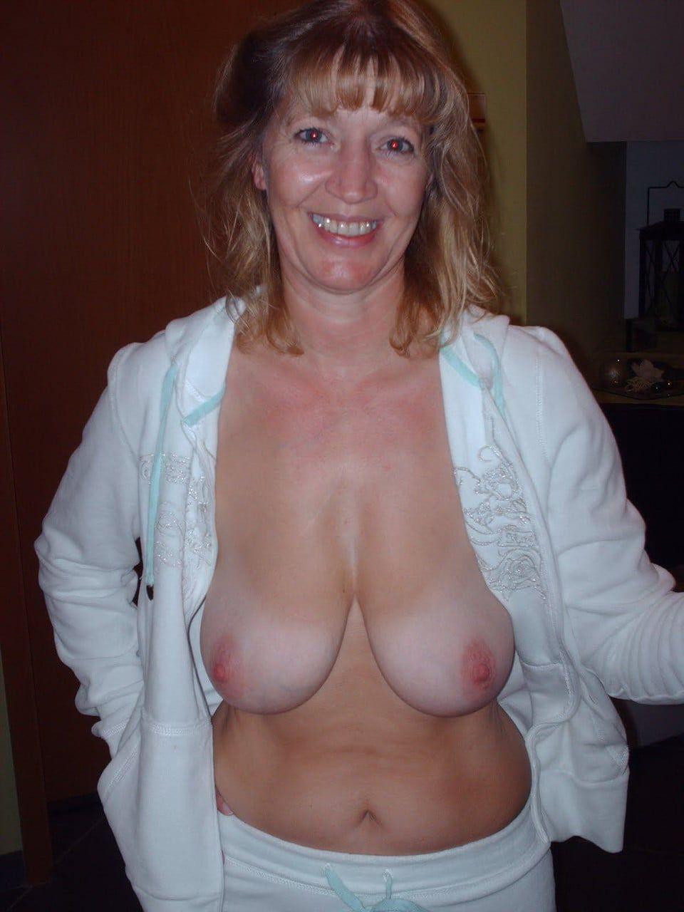 Mature big floppy tits