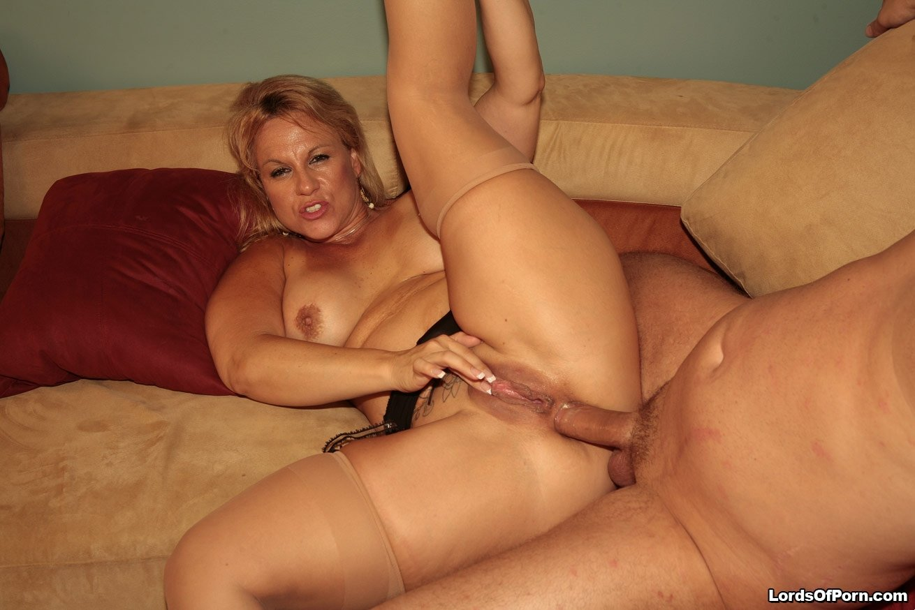 Nylon Anal Porn Mature Tube mom mature blonde in high heels takes belly load of cum from