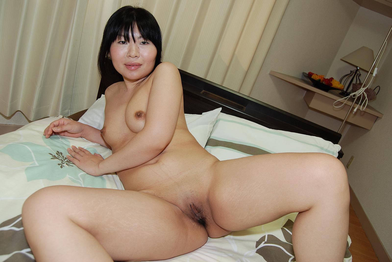 Japanese amateur shaved pussy creampie