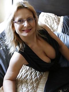 mature mom big tits glasses - MegaPornX