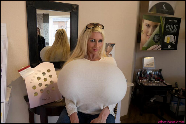 meet the woman with the biggest boobs in the world amazing 2