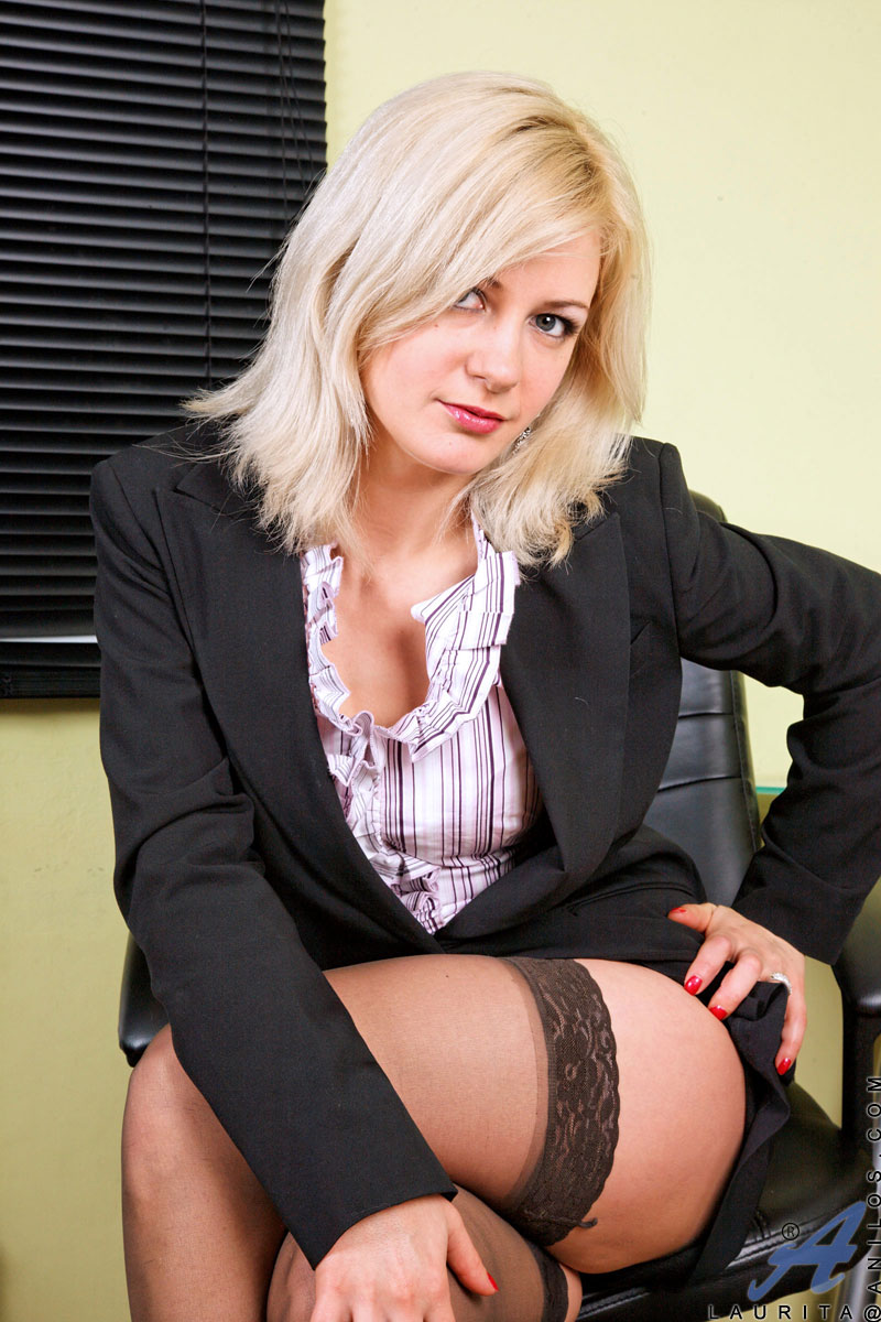 something is. milf pantyhose nina hartley personal messages not send