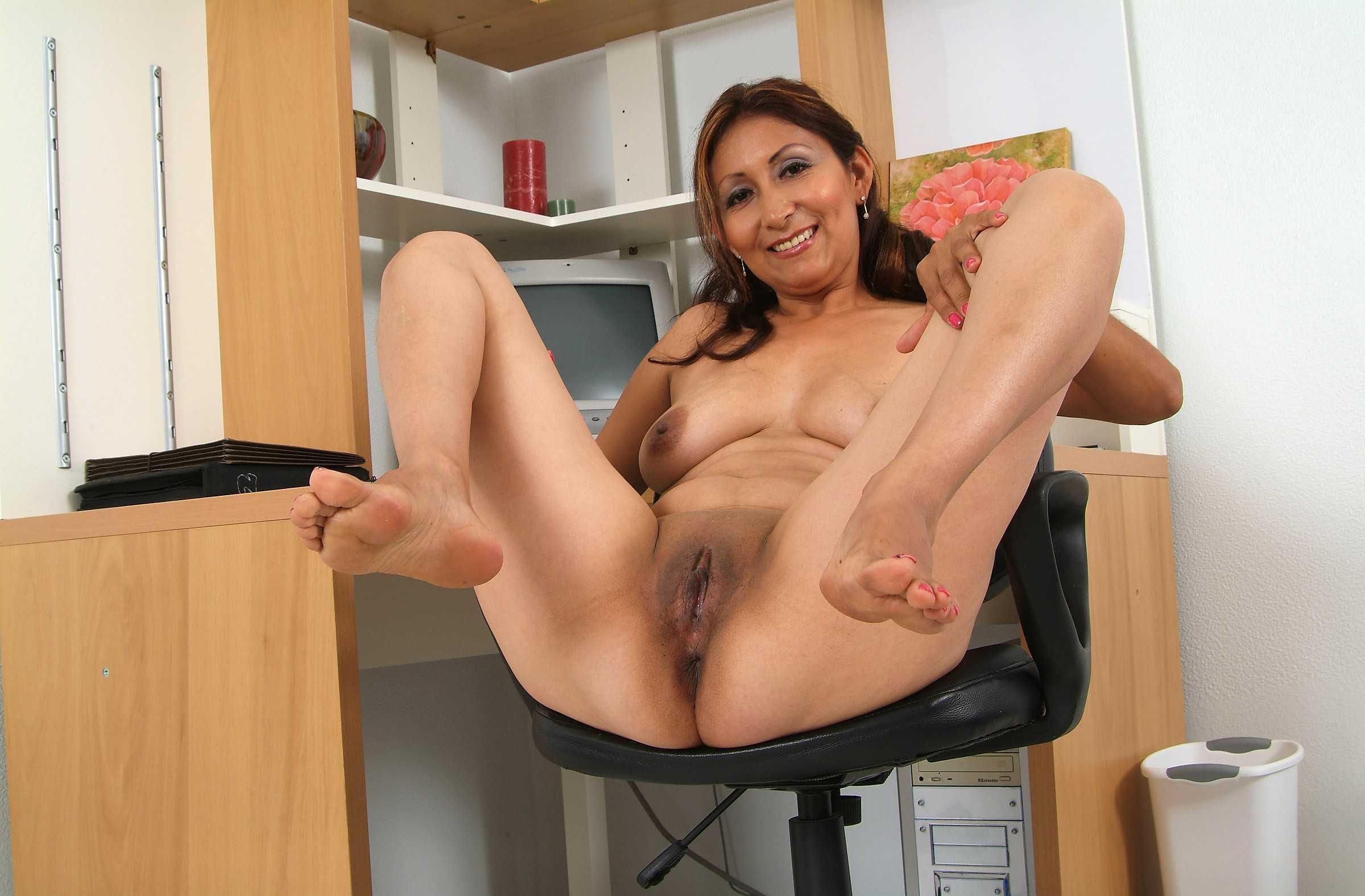 Latina mature porn