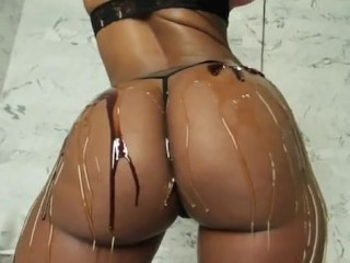 super thick big juicy black oiled ass twerking