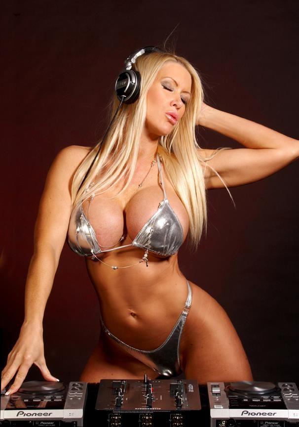 tania amazon fake big tits sex photo 1