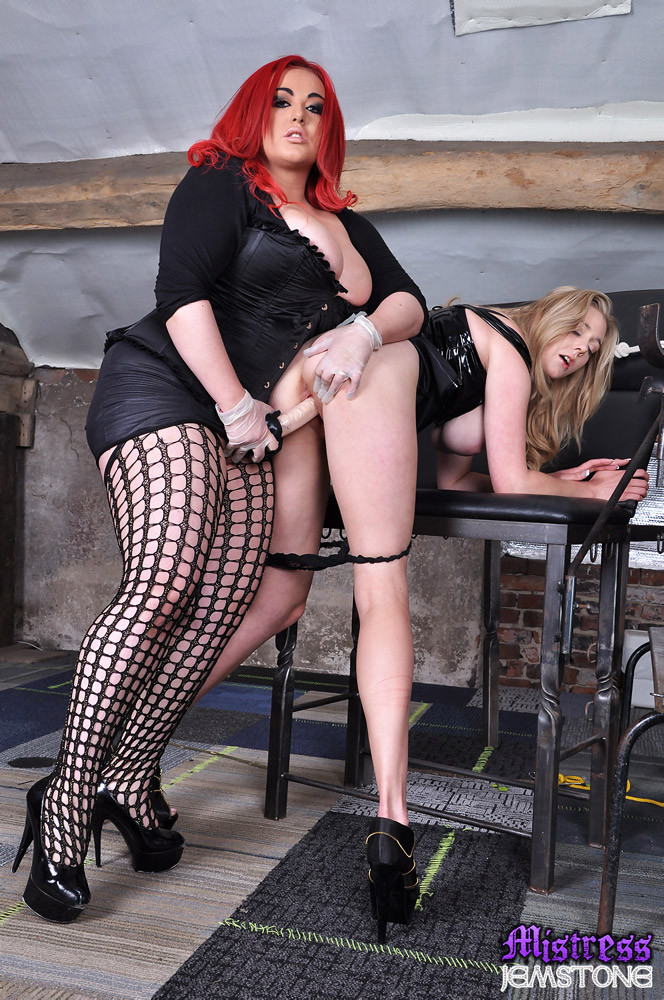 spanking mistress jemstone whipping candy and pounds her ...
