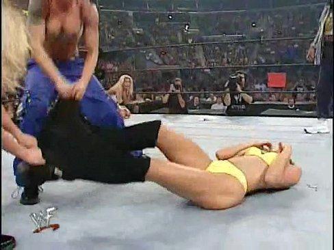 Wilson nackt Torrie  WWE Divas: