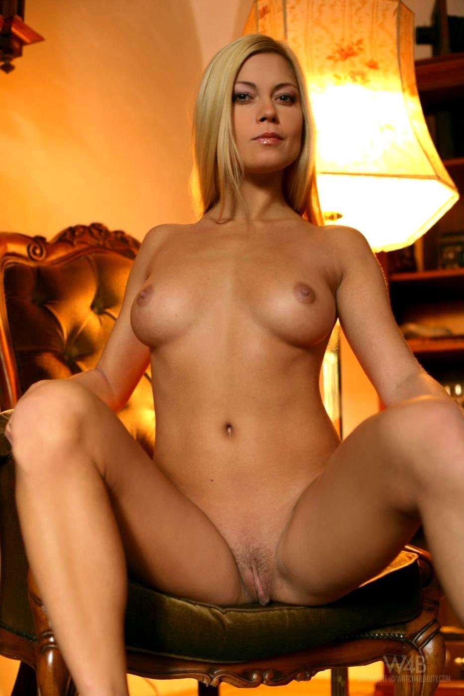watch beauty adriana malkova xxxat blonde delivery porn pics 3