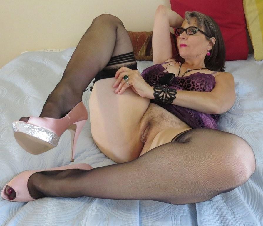 Aunty nude milf sex