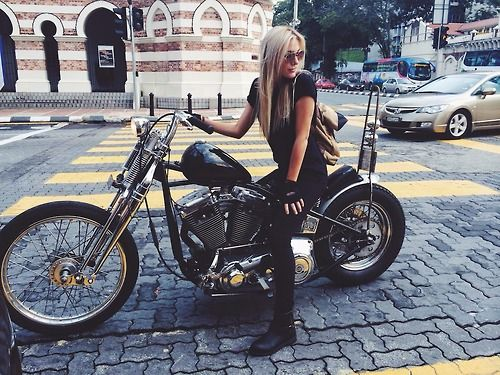 Hot girl big ass riding motorcycle has sex Big Butt Black Girls On Bikes 2 Megapornx Com